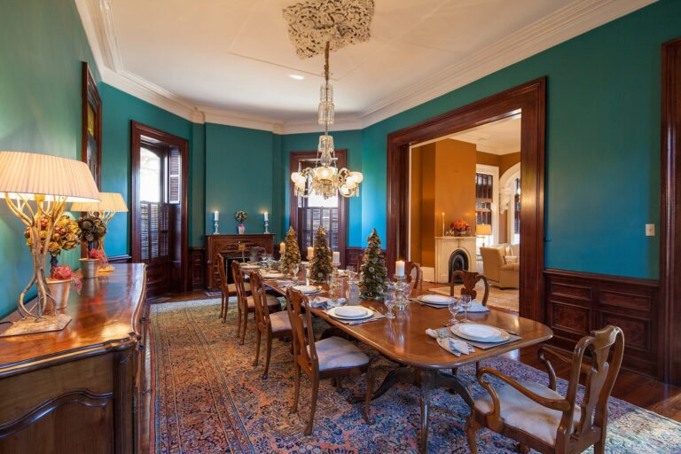 1437 Urania Dining Room 2